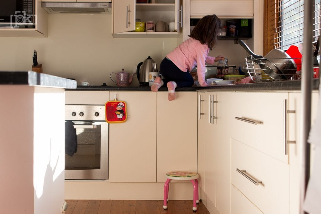 kitchen girl PK Photography Newcastle 10 on 10 blog circle day in the life family documentary